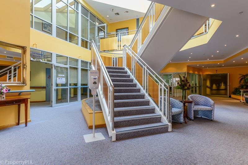 SAndown foyer
